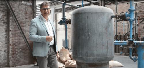 Cleanroom vet en stof vrij reinigen VCC BV A.S.E. Repair BV